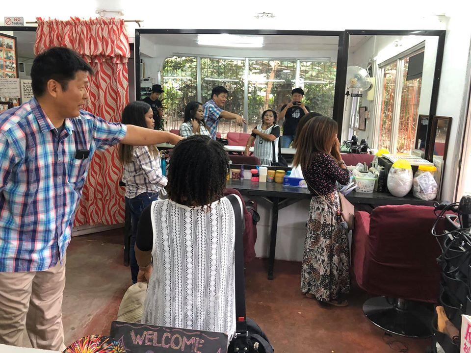 絆サロンで働く女性たち